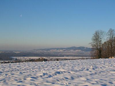 Kaiserstuhl im Schneemantel